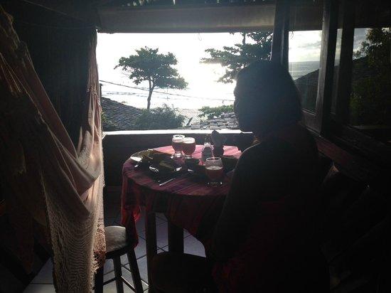 Pousada Hanalei : Olha so que cafe da manha tomamos, na varanda do quarto !!!