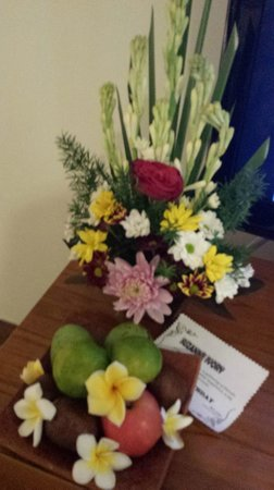 Rama Garden Hotel Bali : Birthday flowers