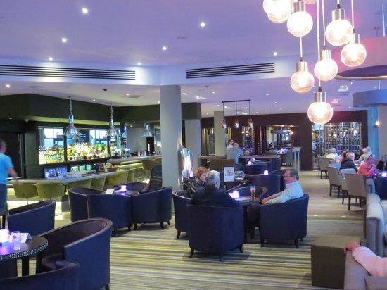 Radisson Blu Waterfront Hotel, Jersey: Lounge