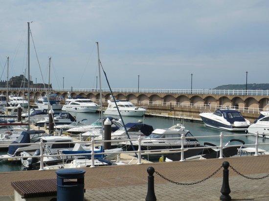Radisson Blu Waterfront Hotel, Jersey: View outside hotel
