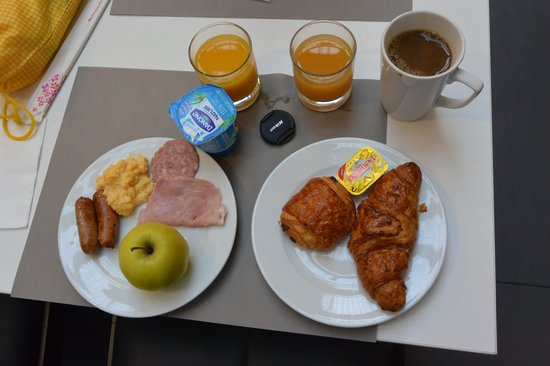 Mercure Paris Porte de Versailles Expo : 朝食ヴァイキングの一部です。