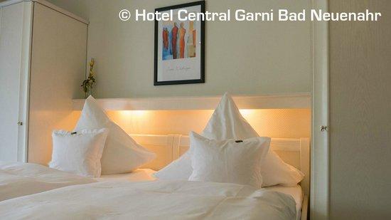 Hotel Central Garni: Doppelzimmer Ahrseite
