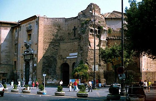 Basilica di Santa Maria degli Angeli e dei Martiri : Entrance to the Church/Baths