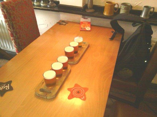 Mug House Inn: Very good selection of real ale