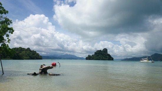 Rampant Sailing: Rampant from Pulau Singa Besar island beach