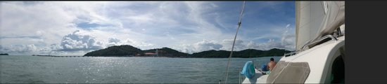 Rampant Sailing: panoramic view Resorts World harbour