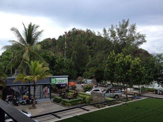 Holiday Inn Resort Krabi Ao Nang Beach: Mini Mart Just Outside the Hotel