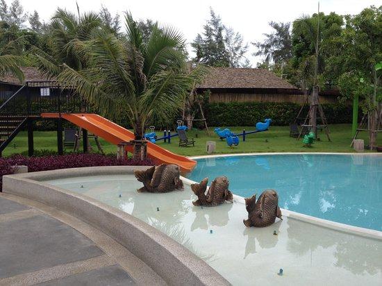 Holiday Inn Resort Krabi Ao Nang Beach: Kids Water Slides Photo 1