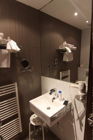 Hotel PurPur: Ванная комната