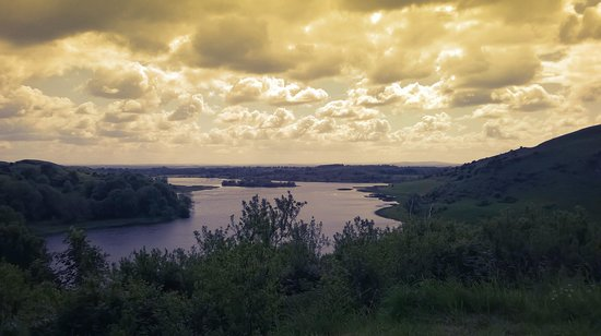Lough Gur Visitor Centre: A nice sunny afternoon...
