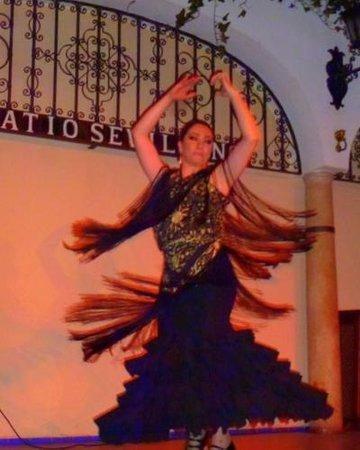 Hotel Sevilla Center: The Flamenco Swirl