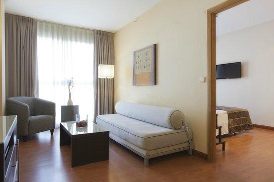 Vértice Sevilla: Salón de Junior Suite Confort