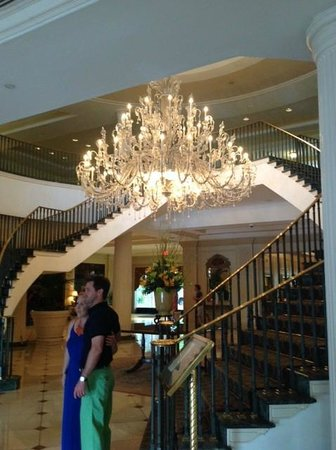 Belmond Charleston Place: Their beautiful staircase