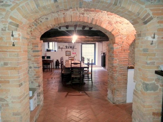 Antica Casa Naldi: basement room