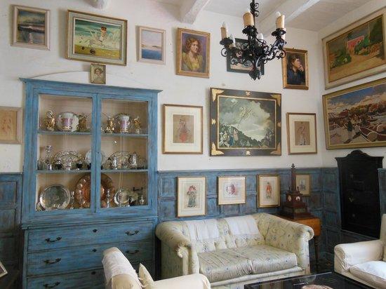 Casa Rocca Piccola: the blue room