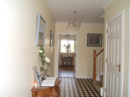 Portumna House Bed & Breakfast: Portumna House B&B entrance hall