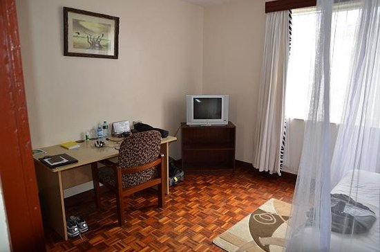 Gracehouse Resort: Double Room - TV and Desk