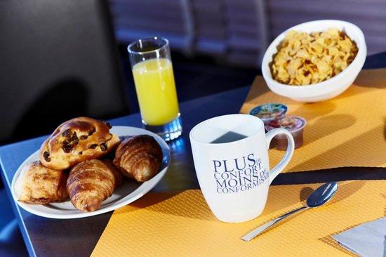Kyriad Montelimar Centre : Breakfast Room