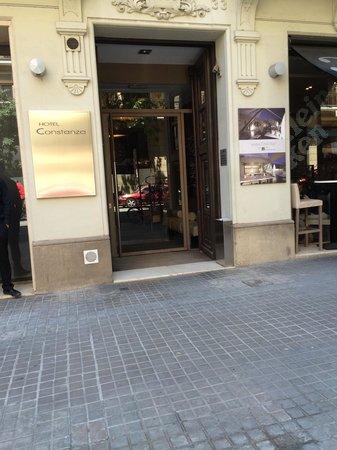 Hotel Constanza Barcelona: Entrada Constanza