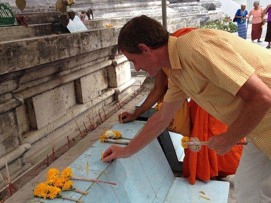 Phra Mahathat Woramaha Wiharn: Respekt