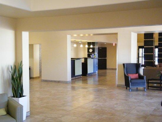La Quinta Inn & Suites Tucson - Reid Park: lobby