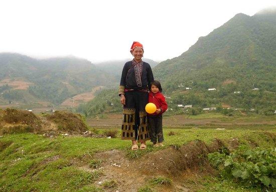 Ms. May Kieu's Homestay: s Kieu and daughter