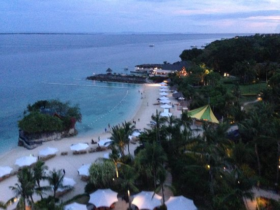Shangri-La's Mactan Resort & Spa: View from Balcony in Club Room