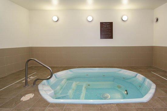 Comfort Suites University: Hot Tub