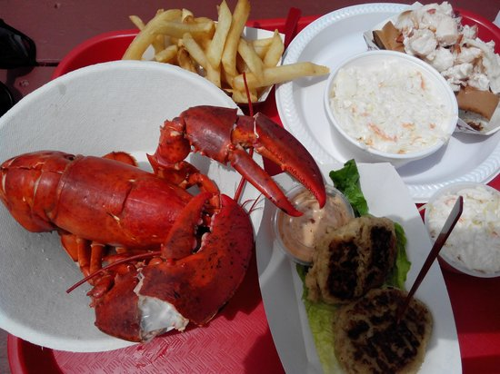 The Lobster Pool: Lobster roll & 1 1/4 lbs lobster w/ fries & cole slaw