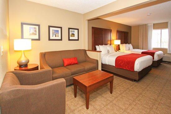 Comfort Suites University: Double Queen Room