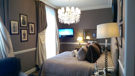 Hotel d'Angleterre: غرفة جميلة جدا