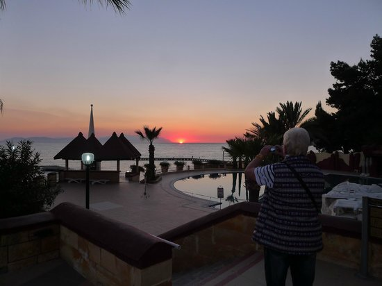 Fantasia Hotel De Luxe Kusadasi: Sunset