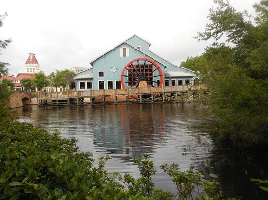 Disney's Port Orleans Resort - Riverside: Riverside grounds