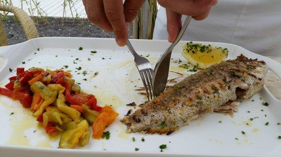 Sea Side Restaurant: потрясающая рыба