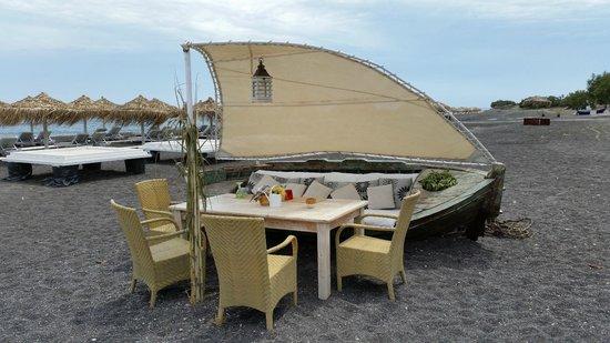 Sea Side Restaurant: столики