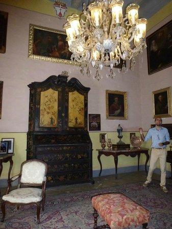 Casa Rocca Piccola: A surprising cabinet