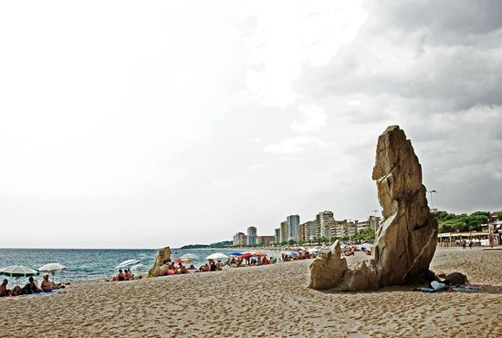 Hotel Costa Brava : master of the beach