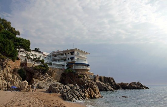 Hotel Costa Brava: evening view from beach