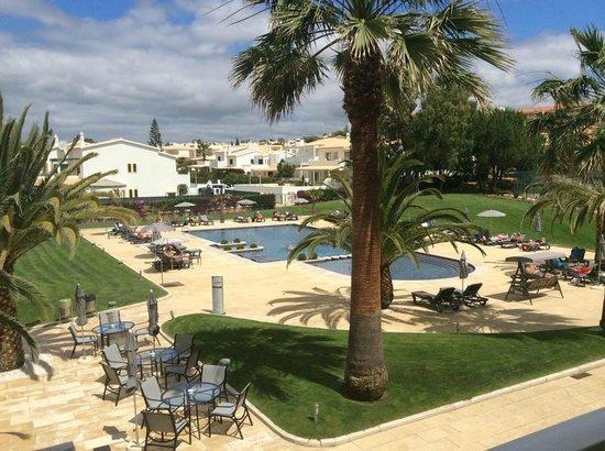 Vila Galé Praia: Pool area