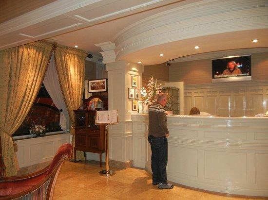 Granville Hotel: Front Desk