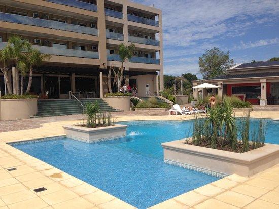 Condado Hotel Casino Paso de La Patria: Piscina