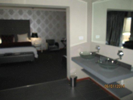 St. Andrews Signature Hotel & Spa: Super large room