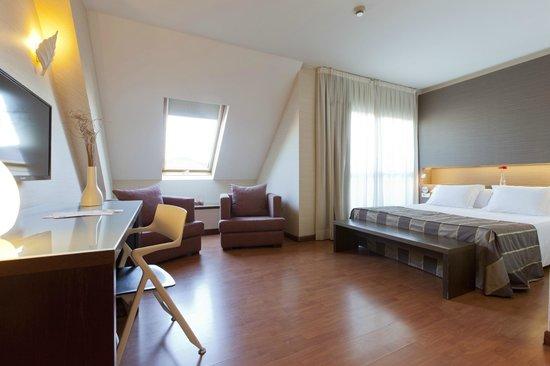 Hotel Vertice Sevilla: Habitación Confort Plus