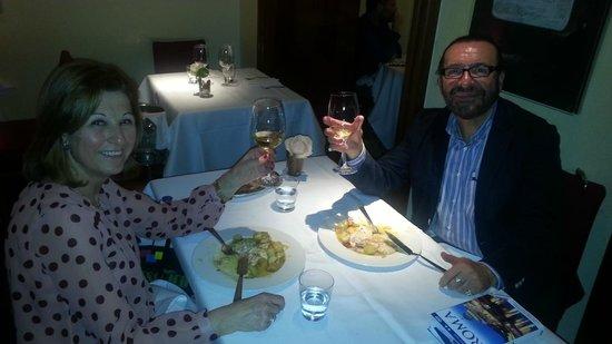 Ristorante La Rosetta: Brindando con vino del Lazio