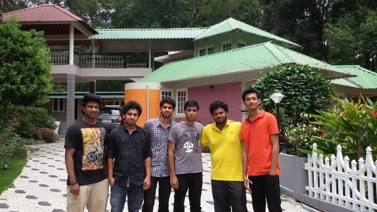Rain Forest Homestay: Trip with frnds to Rainforest munnar. .....��