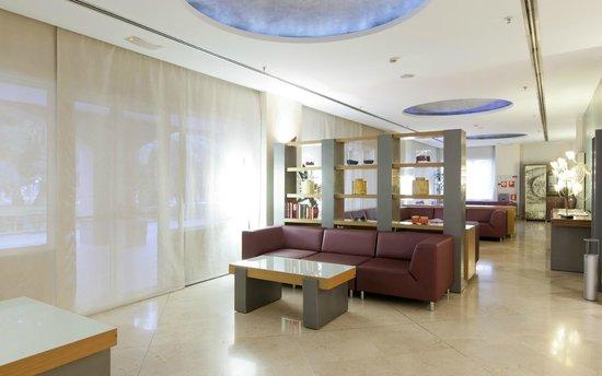 Vertice Sevilla: Lobby - Recepción