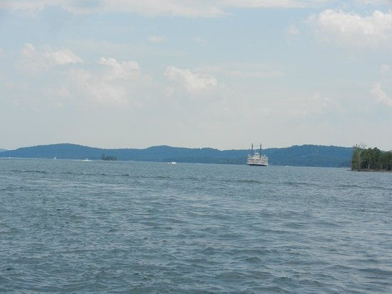Table Rock Lake: Large body of water area