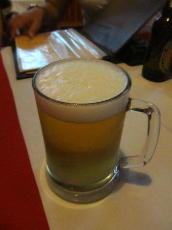 Hot Tuna Restaurant & Bar: Ice cold beer