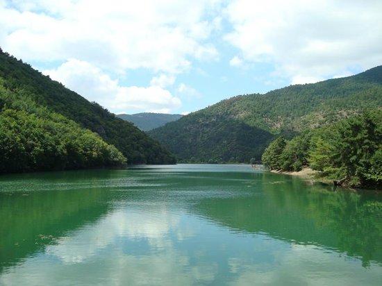 Amasya, Turquía: Gölün genel manzarası - A view from Boraboy Lake