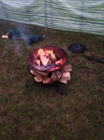 Whitlingham Broad Campsite: Campfire